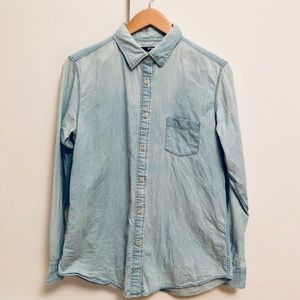 Uniqlo light denim shirt size M 100% cotton